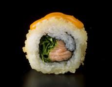 Острые суши с лососем (запечённые) 10тк